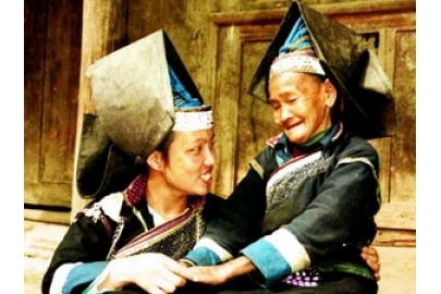 Nét độc đáo trang phục phụ nữ dân tộc Pa Dí, Lào Cai