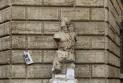 Những bức tượng biết