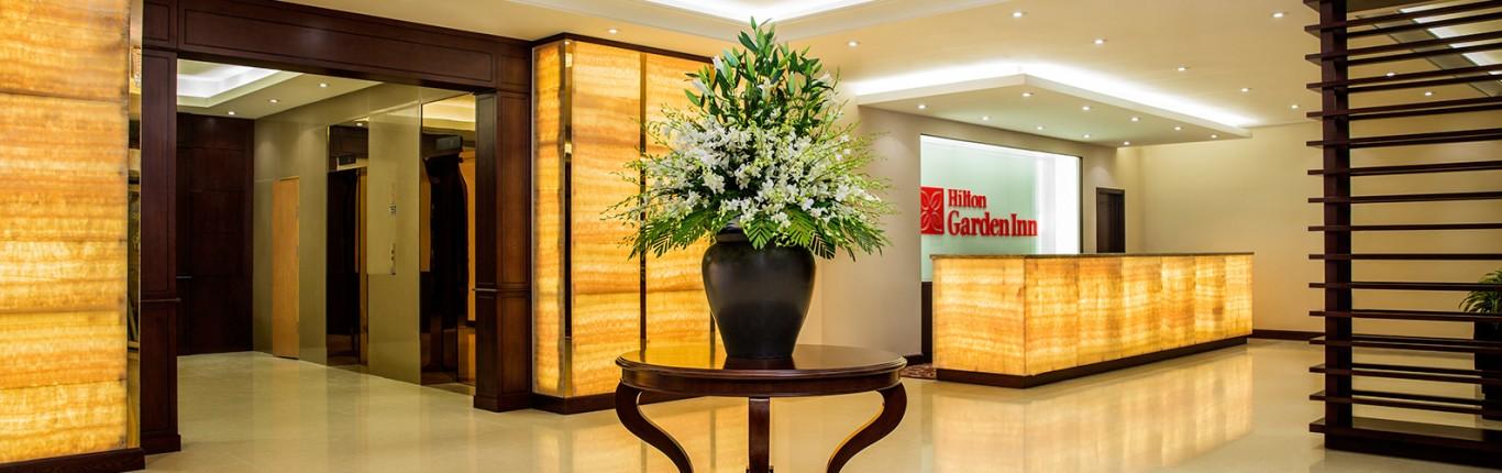 Khách sạn Hilton Garden Inn