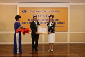 Phó TGĐ Hanoitourist Trần Thị Bạch Yến vinh dự đón nhận Huân chương LĐ hạng ba