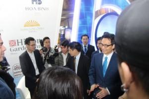 Phó Thủ tướng Vũ Đức Đam thăm gian hàng Hanoitourist tại Hội chợ VITM 2019