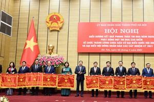 Tổng Công ty Du lịch Hà Nội nhận Cờ Đơn vị xuất sắc phong trào thi đua của Ủy ban Nhân dân Thành phố