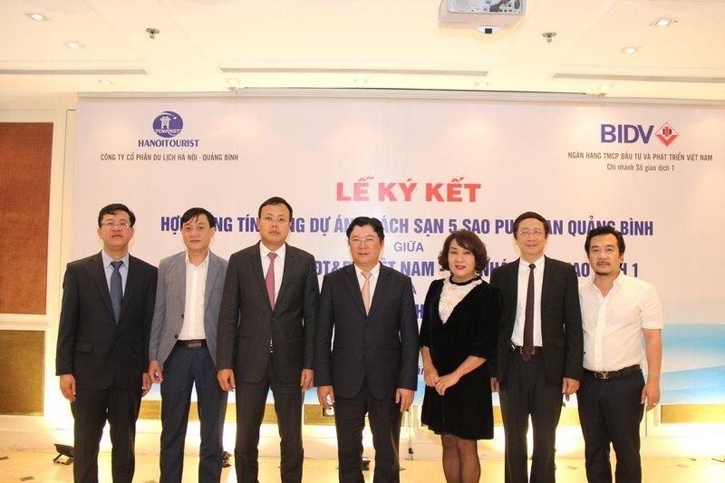 Lễ ký kết có sự hiện diện của Lãnh đạo Tổng công ty Du lịch Hà Nội, đại diện nhà đầu tư,  đại diện Ngân hàng BIDV và Công ty CP Du lịch  Hà Nội – Quảng Bình